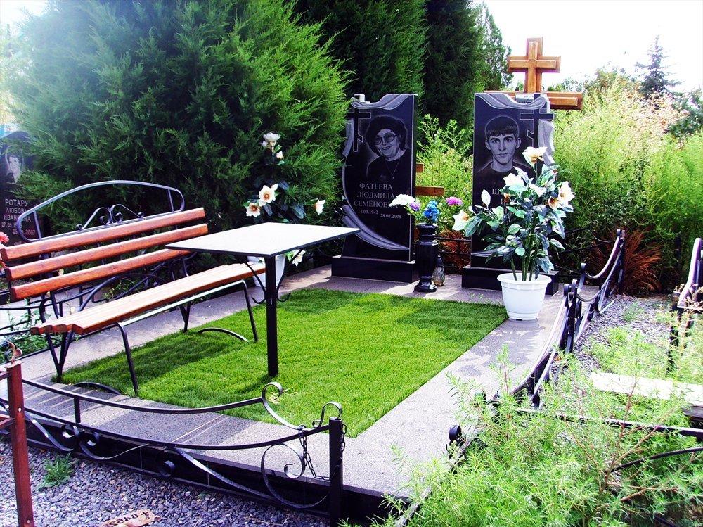 Благоустройство могил и установка памятника Солигорск
