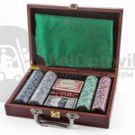 Набор для игры в покер 200 фишек с сукном