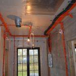 Штробление стен и другие работы, услуги электрика