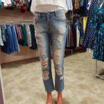 Женская одежда джинсы, футболки, блузки
