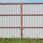 Распашные ворота из профлиста (цвет: зеленый, шоколад, вишня, синий)