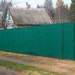 Забор из металлопрофиля стандартных высот 1,7 и 2,0 м