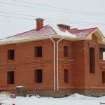 Стоительство кирпичных домов без отделки и под ключ.