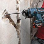 Штробление стен и другие, услуги электрика