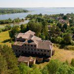 Продам участок с недостроенным зданием вблизи Минского моря
